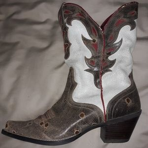 Ariat cowboy boots size 9B never worn